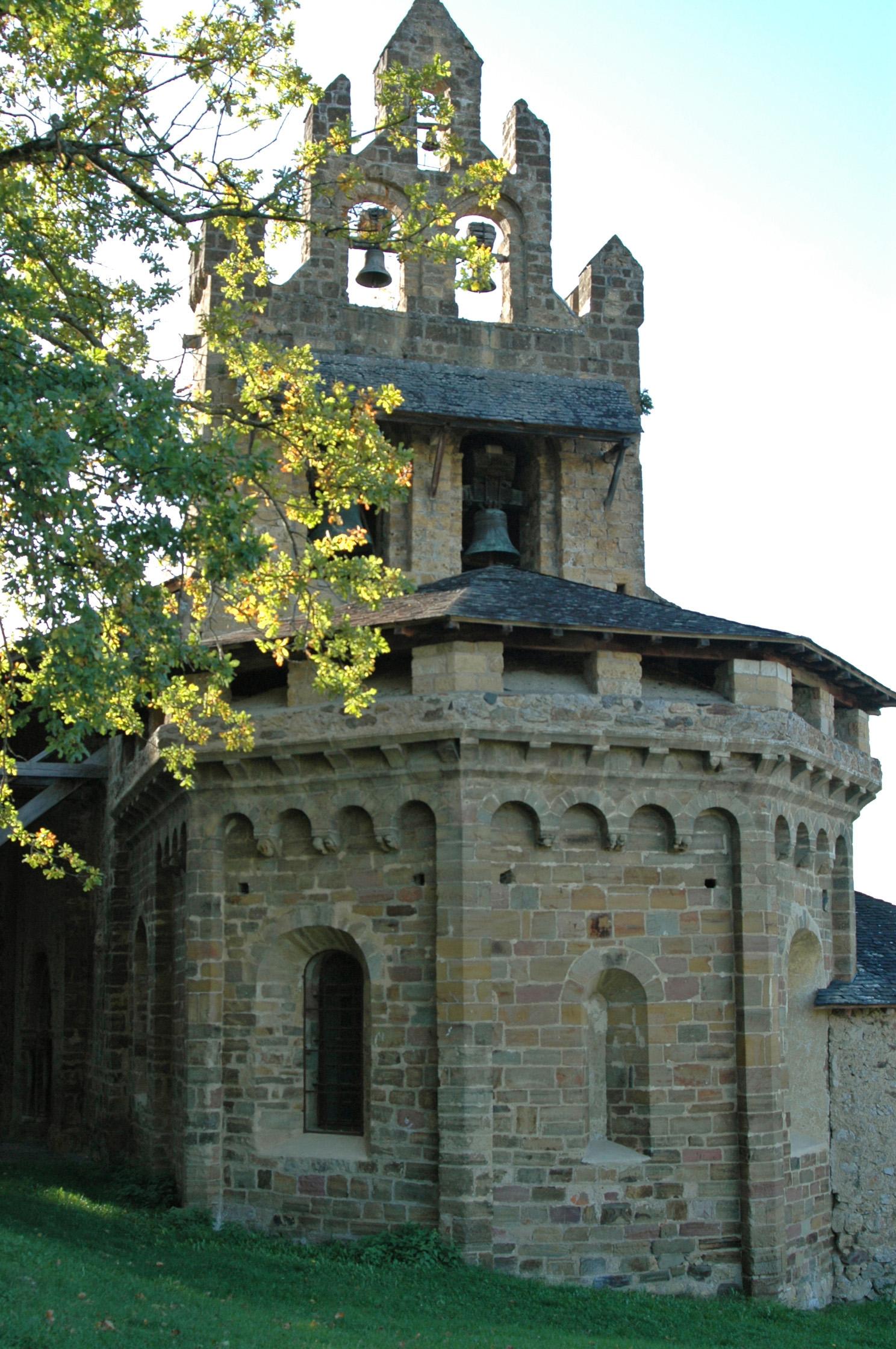 Chapelle saint pierre ou chapelle du calvaire de castillon for Pierre mabille le miroir du merveilleux